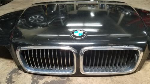 96-01 BMW E38 740 750 HOOD W/ CHROME GRILLES SCHWARZ
