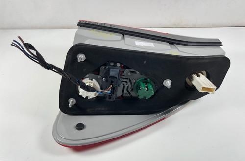 00 BMW E53 X5 4.4 DRIVER REAR BRAKE TAIL LAMP 7158393