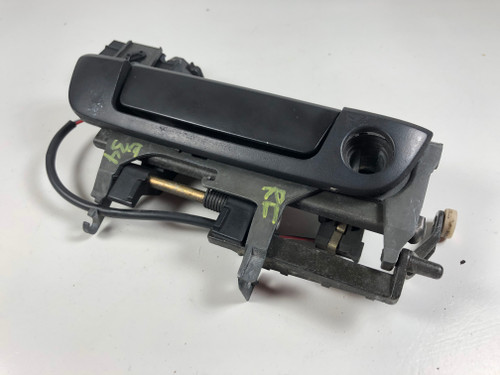 BMW E32 E34 PASSENGER FRONT EXTERIOR DOOR HANDLE OEM 8199752