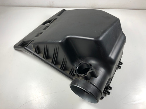 BMW e60 530 525  AIR INTAKE TOP AIR FILTER BOX