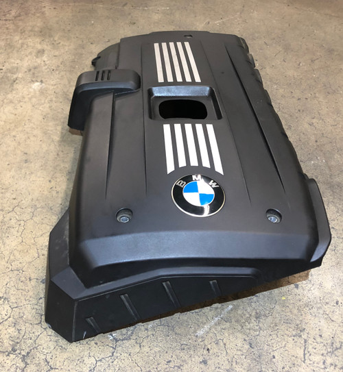 07 08 09 BMW E60 E61 E90 E92 N52 ENGINE TOP BEAUTY COVER 7575032