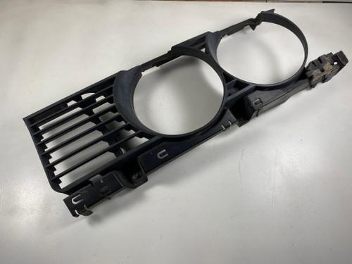 BMW E34 540i 535i Passenger Headlight Frame Bezel Grille