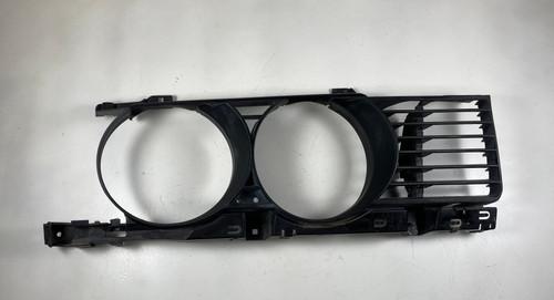 90-94 BMW E34 M5 540i 535i Driver Headlight Bezel Grille OEM