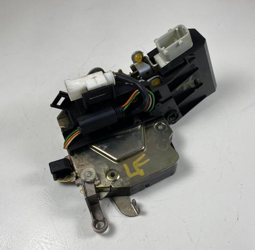 99 BMW E38 740 750 DRIVER FRONT DOOR LOCK LATCH ACTUATOR 8235097