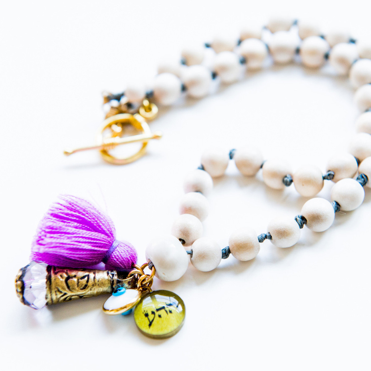 7Stitches White Wood Necklace with Kabbalah Protection