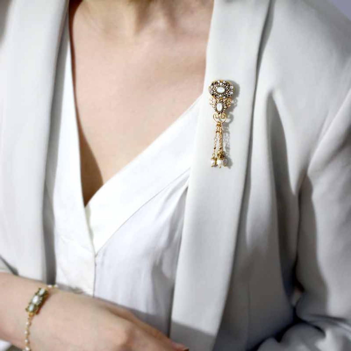 Michal Golan Elegante Style Pin