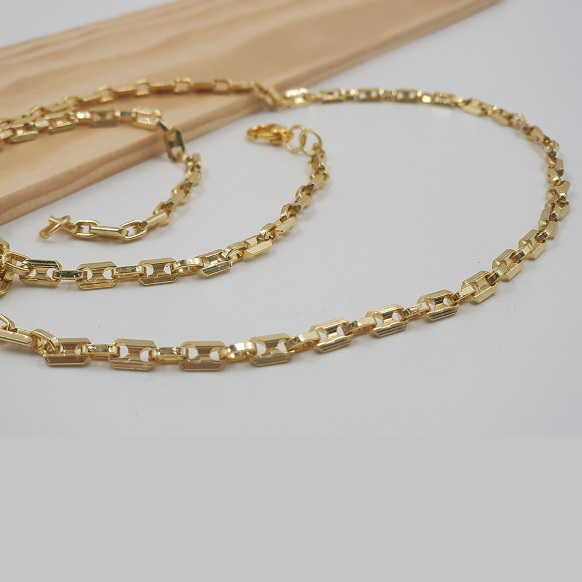 Anat Layer Eyes Necklace