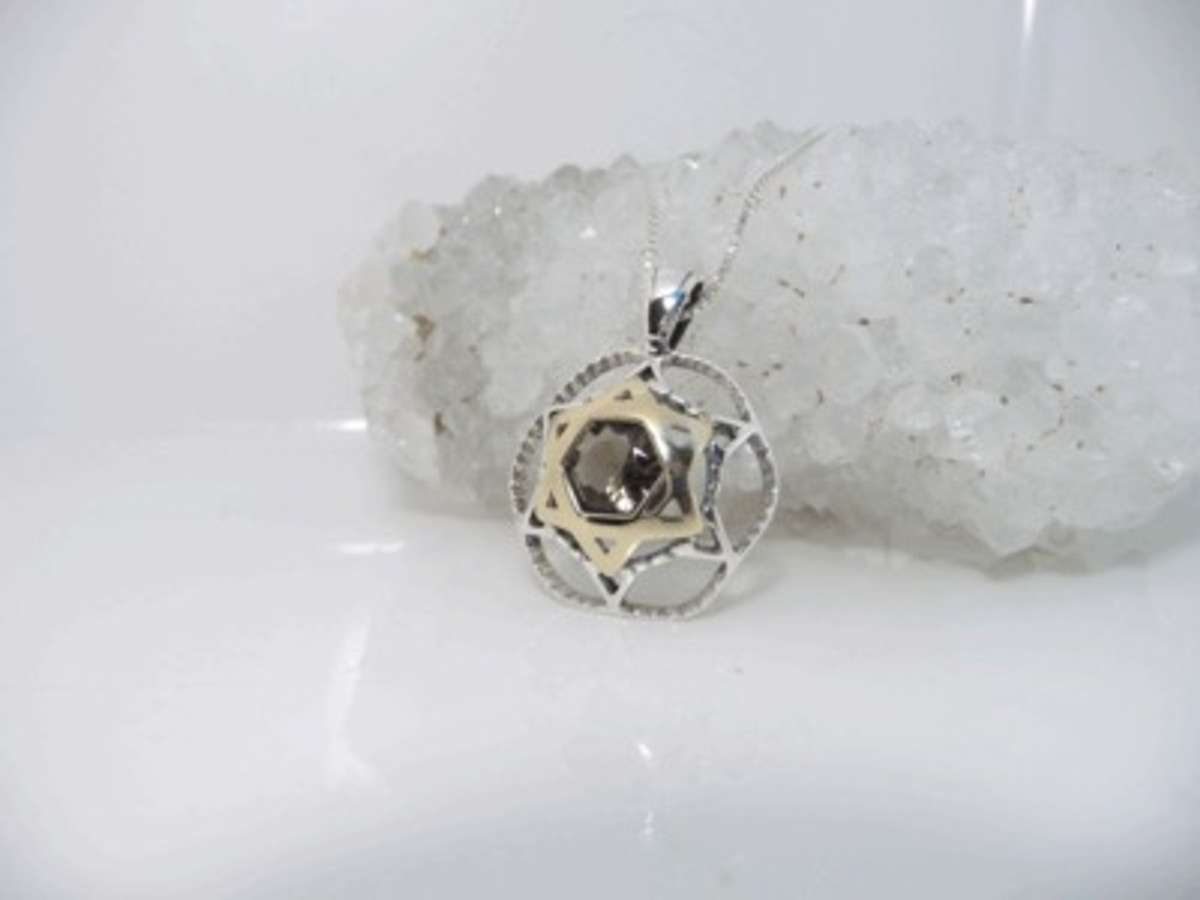 Kabbalah Pendant With Gold Star Of David And Topaz Stone For Relaxation And Protection