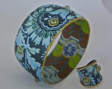 Iris Designs Daisies Bangle