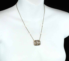 Rectangle On Chain With Pearls Single Chain Necklace