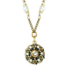 Small Round Pendant On Single With Pearls Chain Necklace