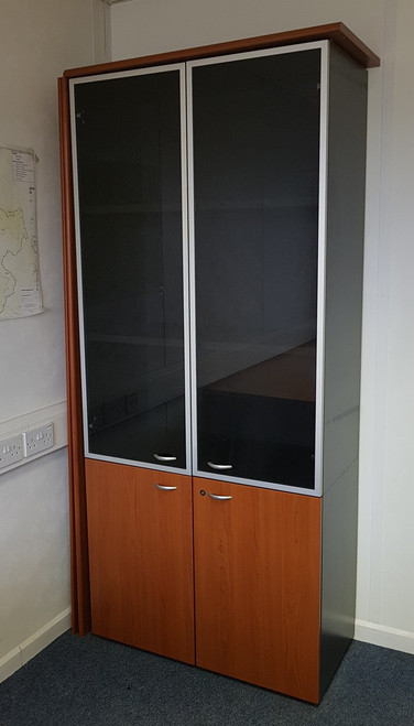 Display cabinet in cherry second hand