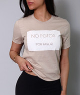 'NO FOTOS POR FAVOR' Unisex Nude Tee