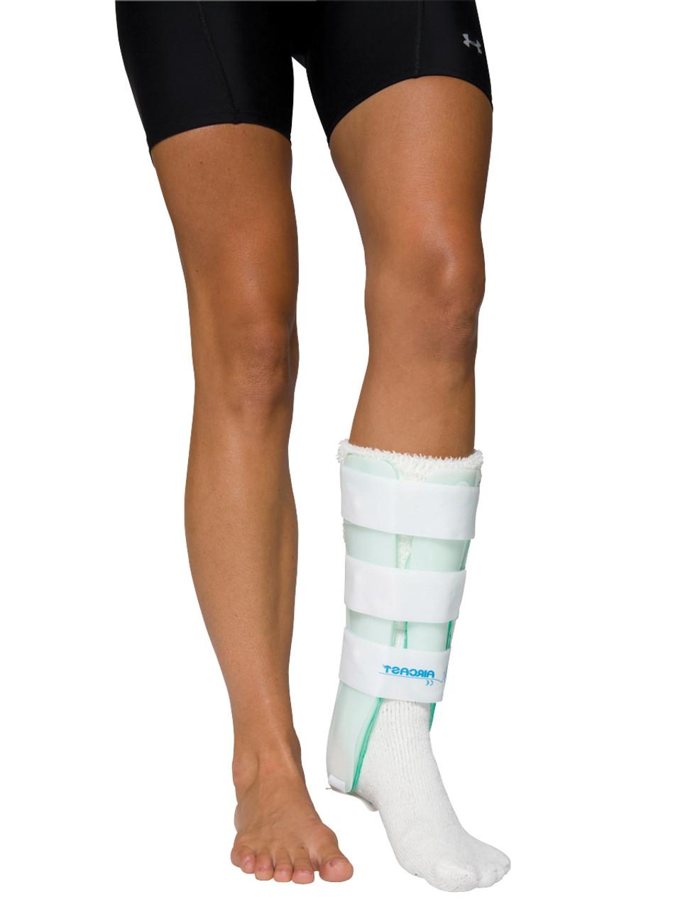 Air Stirrup¨ Leg Brace with Anterior Panel, medium, right