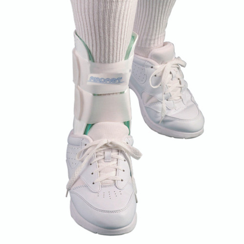 Air Stirrup¨ Ankle Brace 02A Standard, large, right