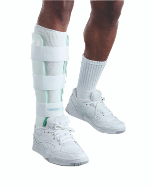 Air Stirrup¨ Leg Brace, Medium, right