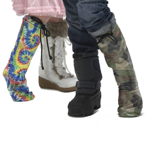 Our models are sporting Slickerz! in wild Tie Dye and Green Camo.  Notice the drawstring that keep Slickerz! snug and in place, eliminating the problem of having rain or snow get in your cast.  For non-weight bearing casts and bandages.