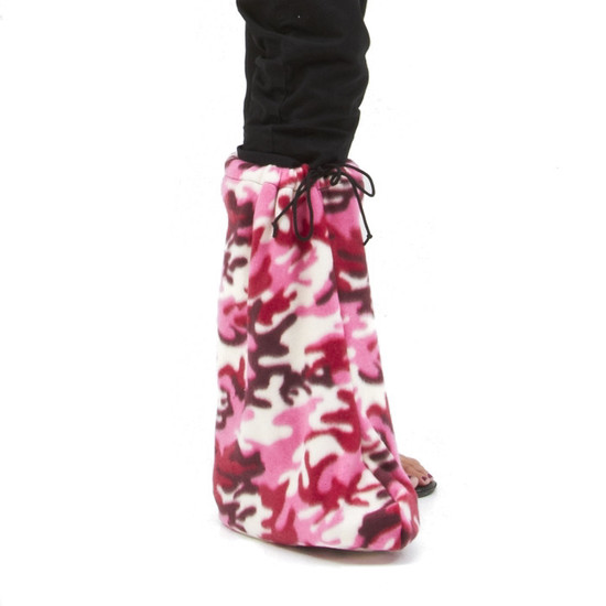 Comfortable night time cover for orthotic walking boot.