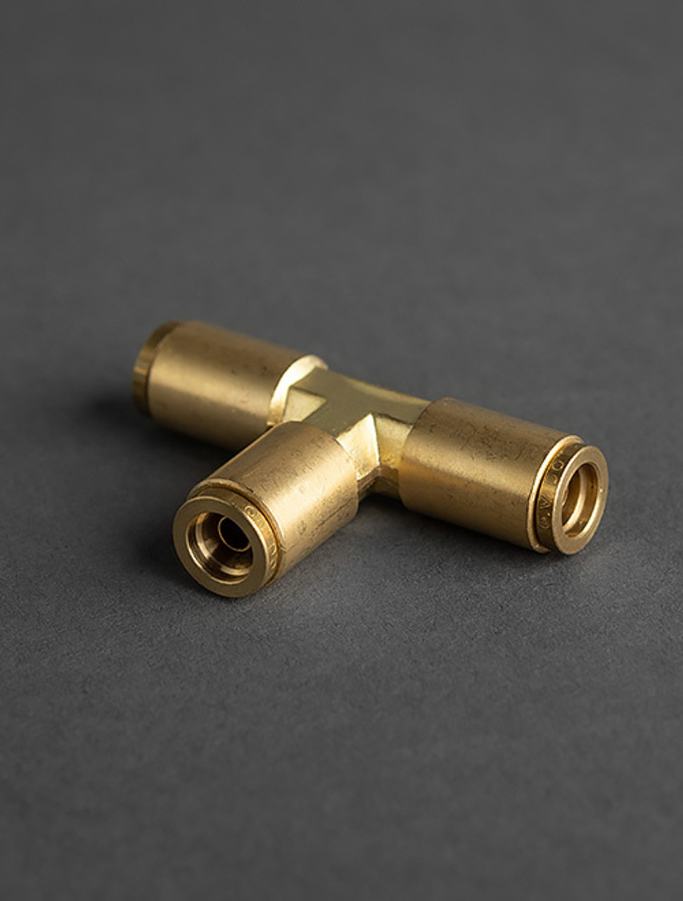 BRASS DOT PUSH TO CONNECT