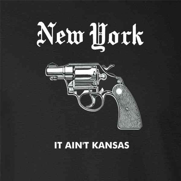 New York It Aint Kansas Retro NYC Gun Funny