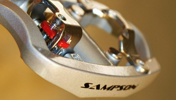 The Fondo delivers fully adjustable tension, use with the Sampson or SPD cleats