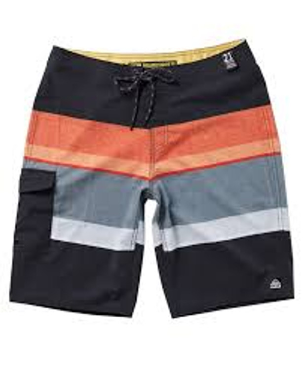 Get your daily dose in the Reef Marcos boardshort. This 4 way stretch, classic fit short features a 21″ at knee length outseam, slick lycra fly, round drawcord, side pocket with elastic key loop and velcro closure.