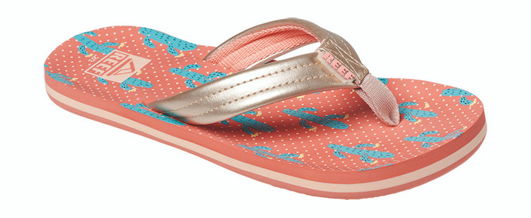 Sun's rising. She's raring to go. (Even if you're still in bed.) The Kids Ahi is THE flip flop for little people on the move, with printed footbed in adorable patterns. Soft synthetic strap and webbing lining makes them extra comfy.