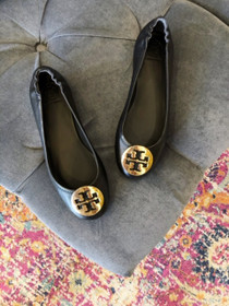 Minnie Travel Ballet Flat - Black/Gold