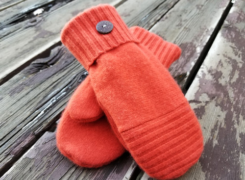 Woolly Moly Mittens /  Orchard Park