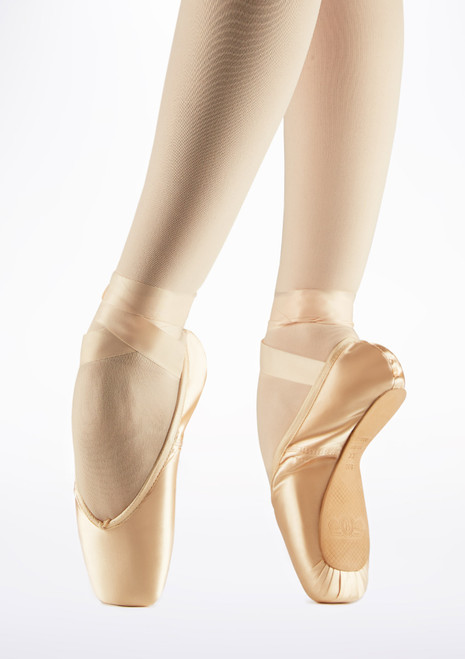 Bloch Amelie Pointe Shoe Pink front. [Pink]