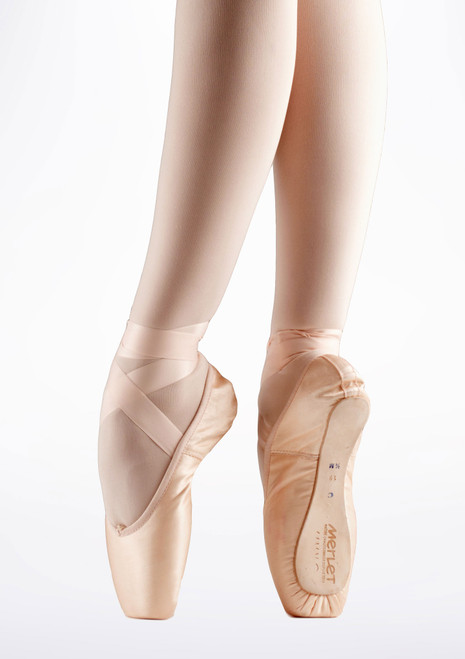 Merlet Prelude Pointe Shoe Medium Shank Pink. [Pink]