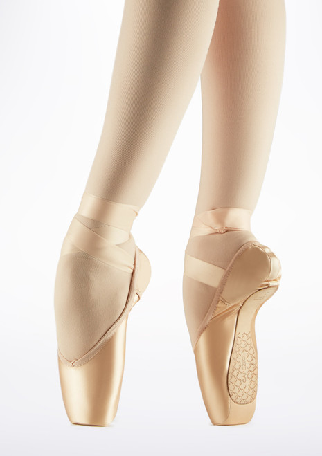 Capezio Cambre Broad Pointe Shoe Pink front. [Pink]