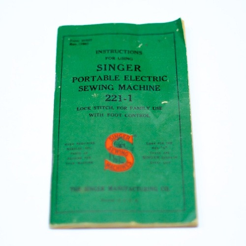 Vintage Singer Featherweight Manual