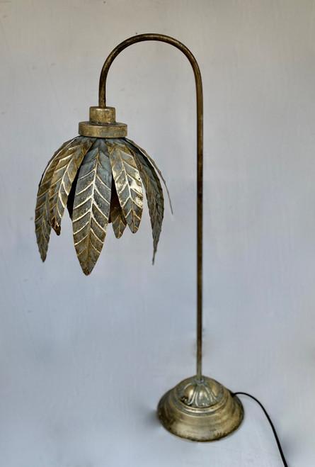 LE078 Table Lamp Hang Leaf (42 x 36 x 85cm)