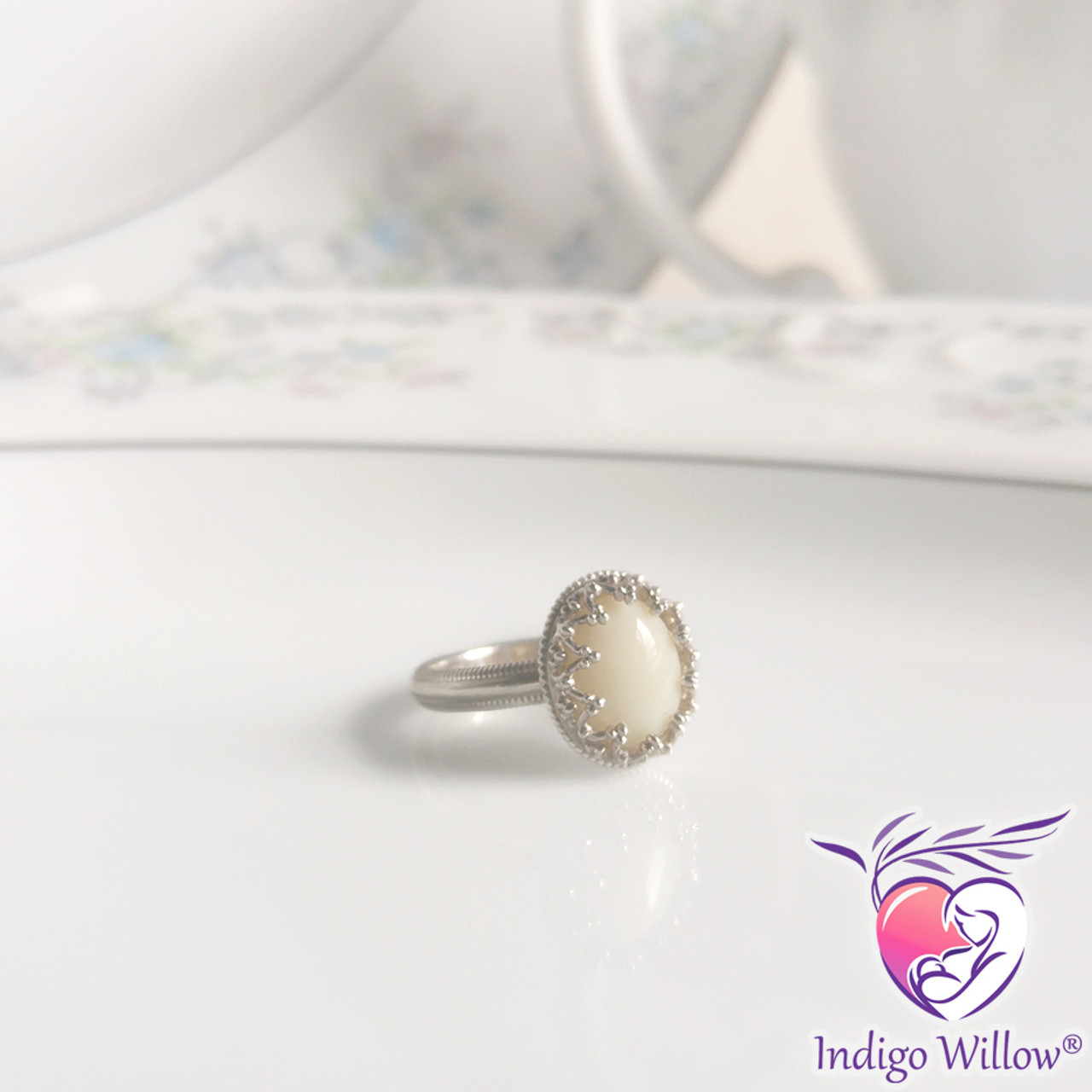 Timeless Crown Collection Small Oval Breast Milk Ring Silver Or