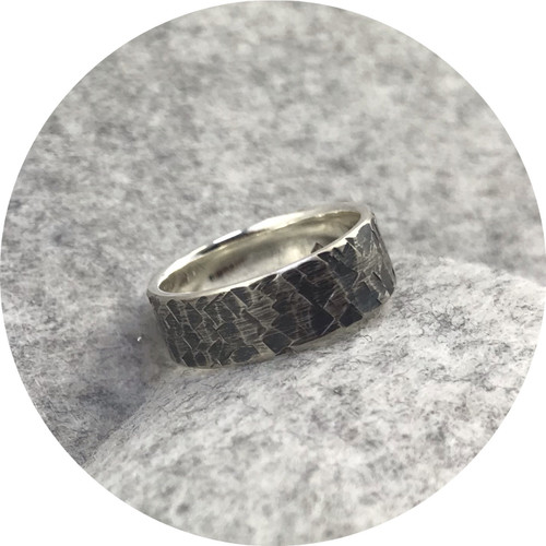 Amelie Atelier - 'Square Texture Ring', 925 silver