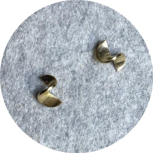 Susan Mcginness- 9ct yellow gold Split stud earrings