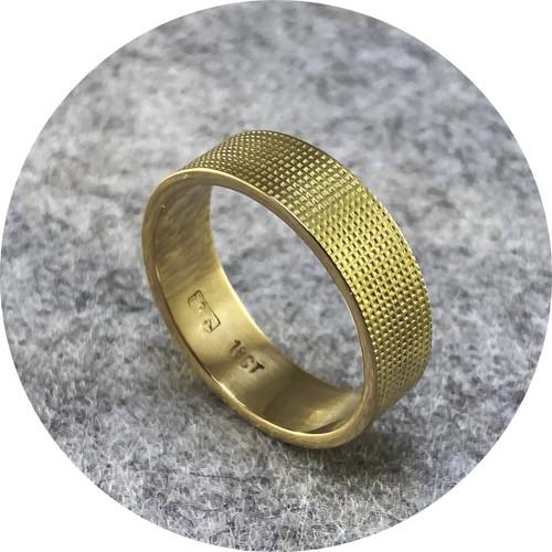 Melanie Ihnen -  9ct yellow gold textured ring. Size S 1/2.