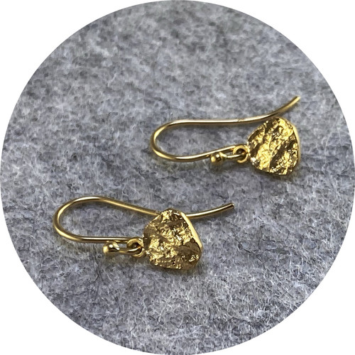 Albert Tse - Terra studs gold hook.