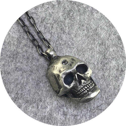 ANT HAT- Skull pendant with salt and pepper diamond. Sterling silver.