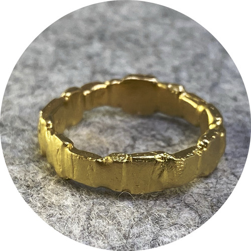 Ada Hodgson - Garden Path Ring, 18ct yellow gold