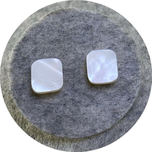 Laura Eyles - Mother of Pearl studs, small, square, 925 silver