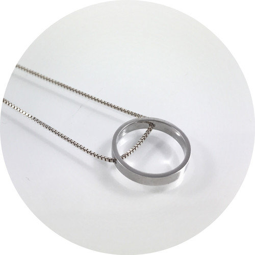 Orion Joel - sterling silver circle pendant with 45 cm box chain