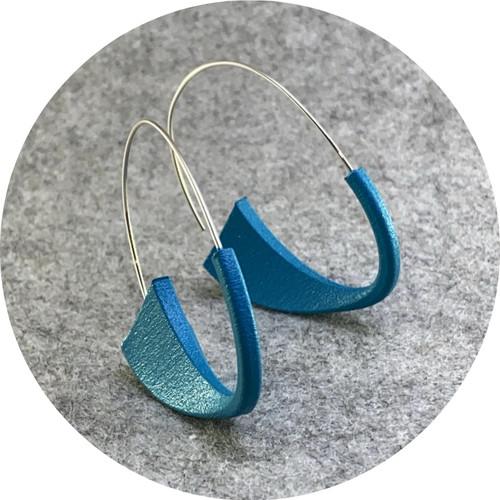 Leonie Simpson- Suki Earrings, 3D printed nylon, acrylic paint, sterling silver