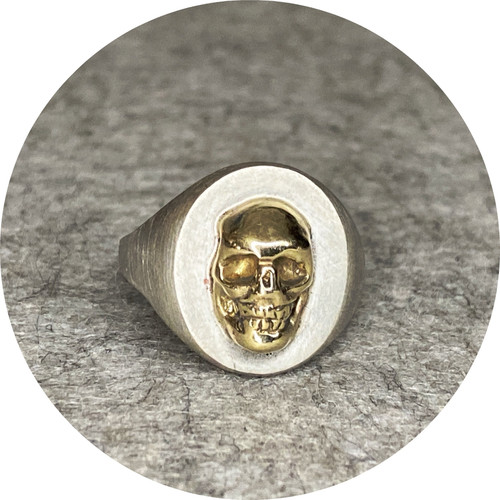 ANT HAT - Classic Skull Ring, 9ct yellow gold, sterling silver