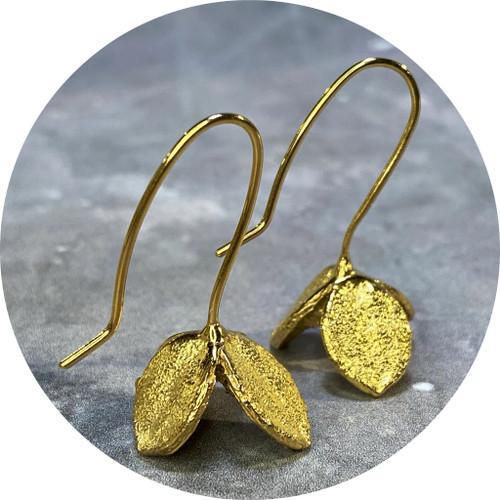 Manuela Igreja- Big Pittosporum earrings. sterling silver, yellow gold plated.