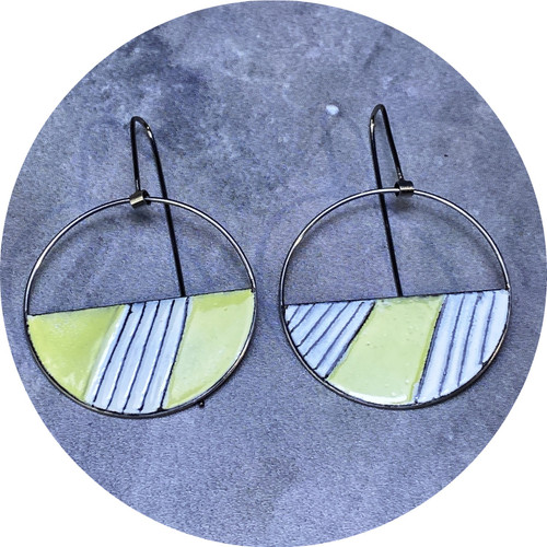 Sarah Murphy - Open Arc Swingers (Chartreuse and White), stainless steel, enamel