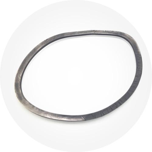 Ellinor Mazza - Brunswick Bangle 2, oxidised sterling silver