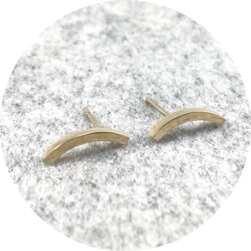 Susan McGinness - Smile Studs in 9ct Yellow Gold
