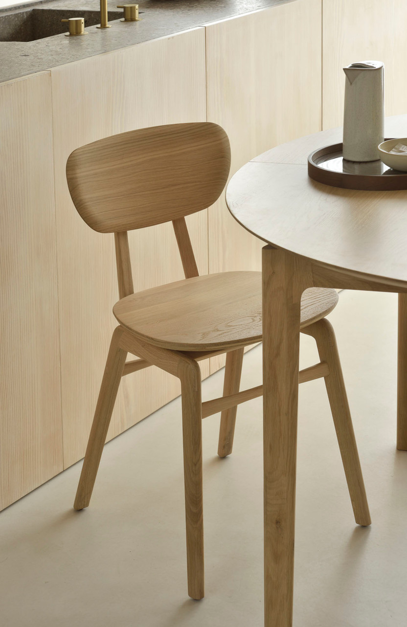Oak Bok Round Extendable Dining Table